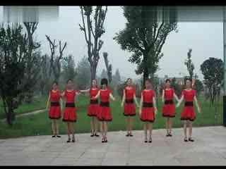 春雨广场舞 军歌声声 (1)