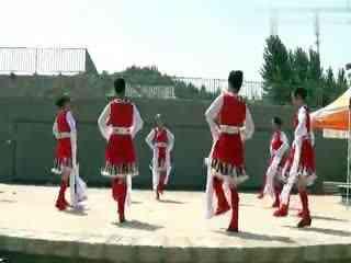 春雨广场舞 藏舞联跳