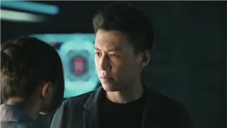 《守卫者-浮出水面》靳东带小队寻找罪犯藏身处
