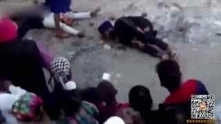 印度锡克节表演失手_铁锤重击志愿者头部