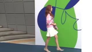韩女星飙骂工作人员5分钟 耍大牌5大行径全被曝