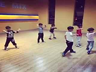 >> 文章内容 >> 简单易学男子街舞教学视频   简单易学的男生舞蹈最好图片