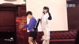 两个男生性感热舞《trouble maker》 这画面太美,我竟然觉得配一脸!