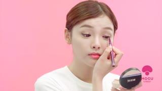复古风正流行,撩人红唇妆该怎么化?