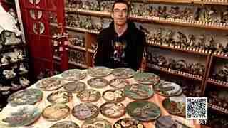 英国小伙30年收藏2万个鸟饰品 价值约51万元