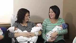 姐妹同一天产两对双胞胎