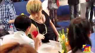 刘洲成姐姐斥家暴传闻 他曾为娶女人和母亲反目