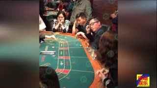 吴奇隆携妻现奥克兰赌场 刘诗诗手托下巴很无奈