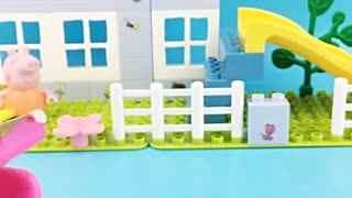 小猪佩奇拆蛋玩具婴儿车里的海绵宝宝