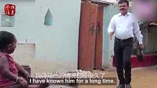 印度一男子50岁仅有74厘米高