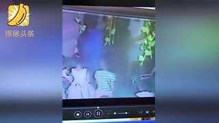 女儿幼儿园被欺负 妈妈帮出气被拘留
