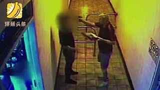 奇葩 澳男子因未享受打折持枪威胁披萨店店员