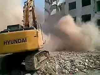挖掘机装车视频 挖掘机翻斗车压路机叉车装载机表演视频