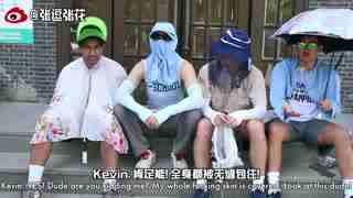 老美你怎么看_20170728_40度高温当美国人套上中国防晒神器