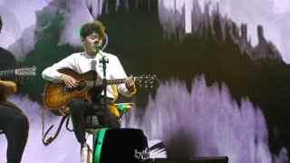 TFBOYS四周年演唱会 王源SOLO《我知道你离我不远》+《可以了》