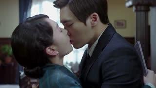 李易峰 周冬雨 简单粗暴的吻戏
