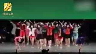画风清奇! 岛国高中舞蹈赛大跳八十年代风