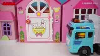 小猪佩奇与奇趣蛋玩具车快递货车