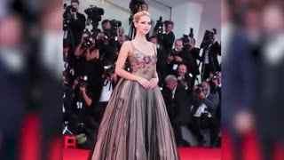 威尼斯电影节 大表姐劳伦斯透视装秀美胸斗艳超模