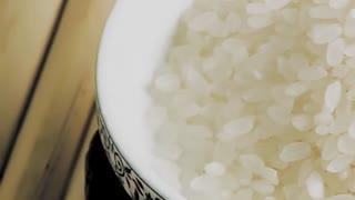 养生粥  银耳莲子粥的做法