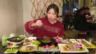 """大胃王朵一_20180110_台湾不只有夜市小吃!看""""东北汉子""""化身软妹,寻味正宗台湾菜!"""