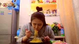 【一起来吃吧】小吃货初来乍到之尬吃印度尼西亚鸡蛋捞面