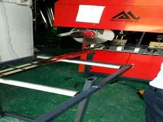 广西百色运升不锈钢任意冲切冲孔机装机视频