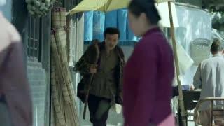 《喋血长江》莫元清误以为王叔是向不争派来盯梢的,让王叔离自己远一点