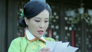 《喋血长江》媚儿看到向不争与夏晓倩抱在一起的照片,伤心不已。