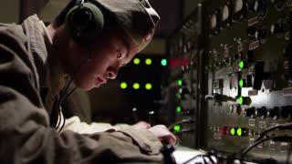 《特种兵之深入敌后》特战队截获电文 发现天网计划重点