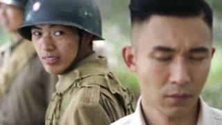 《特种兵之深入敌后》小祁左手与预二师士兵比枪法