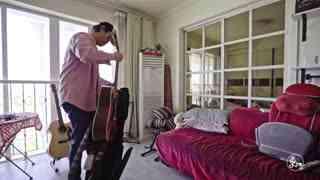 """二更视频_20180509_【更上海】不""""正经""""的吉他手飘在魔都最爱唱的却是""""成都"""""""