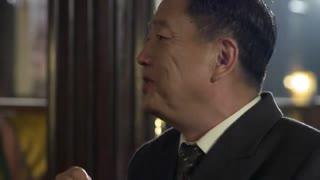 《破晓》男子到女老板的场子查案,竟遇到同事和局长,似有事密谋
