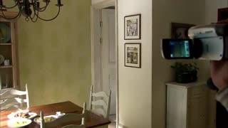 《佳期如梦》男人出院,和女友在家中过着甜蜜的二人世界,用录像机记录每一秒