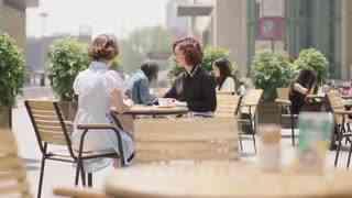 《赛小花的远大前程》朋友让女子去参加面试,结果遇见一见钟情男子,还送过钱包呢