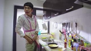 《头号前妻》男子不让女子进厨房,原来是想给她个惊喜,把戒指放在菜里