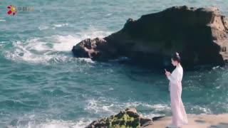 《那片星空那片海》女子回想与爱人的美好时光,对着定情信物喃喃私语,将用一生赎罪