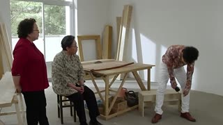 《平凡岁月》二宝竟骗到家人头上来了,姑奶奶怒了,用棍子打他