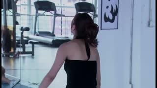 《温柔的谎言》健身教练看女子长得漂亮,对她动手动脚,女子一句话镇住他