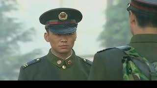 《士兵突击》成才背叛了七连,走的时候只有许三多一个人送他,瞬间坐地大哭