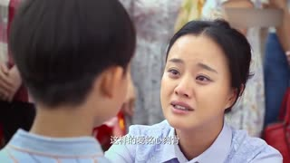 《小草青青》小莉和秋来结婚,竟然给嫂子戴上母亲的胸花,众人给嫂子下跪!