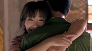 《两个女人的战争》赵欣梅一看见哥哥,眼泪瞬间绷不住了,哥哥还以为她是高兴的!