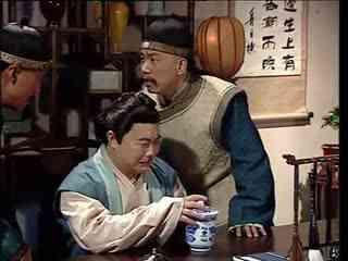 《好汉一箩筐》日本人正在哭,两位大人在旁好言相劝,不料他居然懂得肉包子打狗