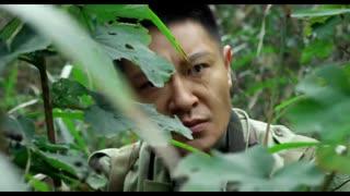 《特种兵》鬼子本想露头探查敌人,不料被狙击手直接爆头,看的真过瘾