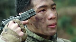 《特种兵》狙击手踩中地雷,不料为了不拖累队友竟选择自爆,真是个硬汉子