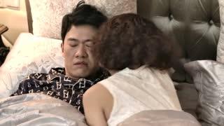 《谎言的诱惑》总裁深夜梦到初恋女友,醒来后看到的却是妻子,这下可吓坏了