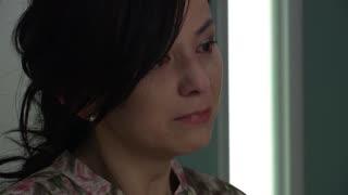 《守望的天空》没想到女人为了丈夫活下去,竟愿意将自己的肾换给她,泪目!