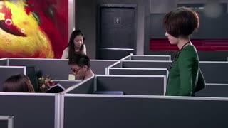 《女人的颜色》美女帮领导修电脑,结果发现了姐夫的秘密,这下有些事瞒不住了