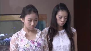《爱情的十字路口》总裁挑选美女当女朋友,让三位美女抓阄,不料美女打了起来