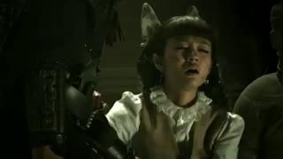 《古今大战秦俑情》小伙在墓地中发现一个兵马俑,竟然和自己长得一模一样,吓到美女